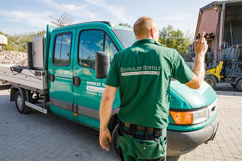 Link zur Bilddatei: schulze-tertilt_warendorf_muenster_galerie-gruenflaechenmanagement-gartenpflege_0004_pritschenwagen
