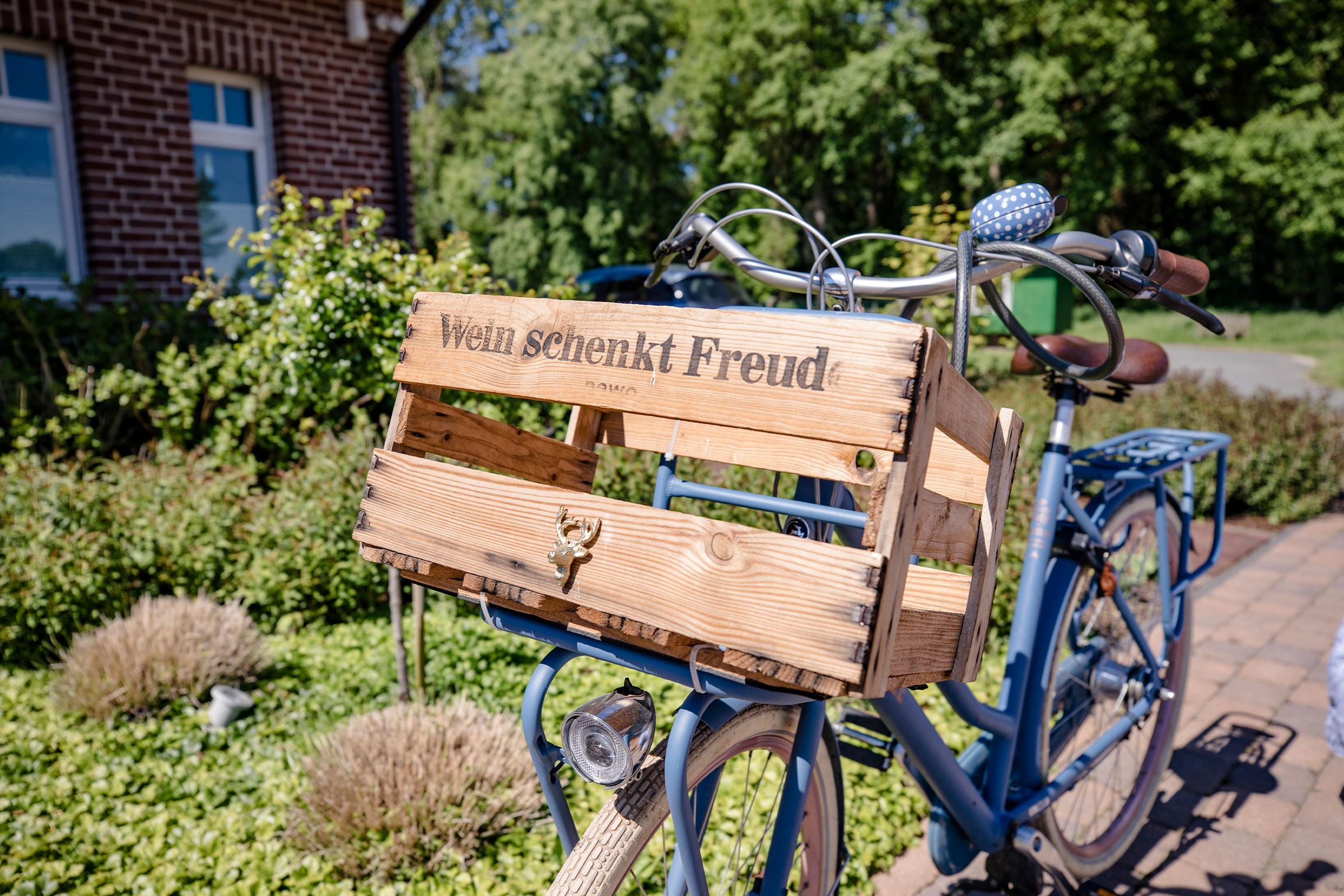 Link zur Bilddatei: Schulze-Tertilt_Referenzen_fahrad_beet_vorgarten