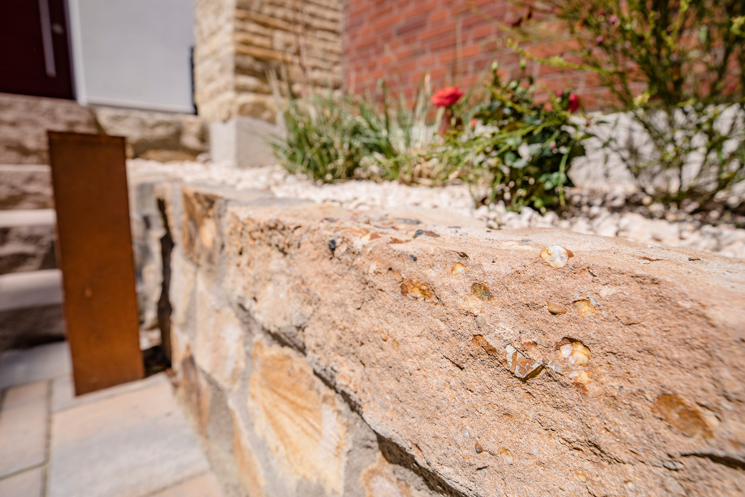 Link zur Bilddatei: Schulze-Tertilt_Referenzen_natursteinmauer